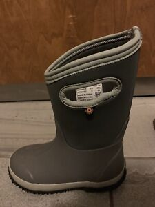 Bogs Winter Boots Size 2
