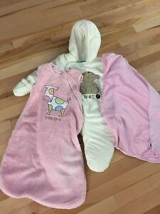Lot vêtements bébé fille  0-3 mois - plus de 30mcx