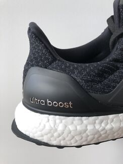 adidas ultraboost 3.0 - US9.5 - core black