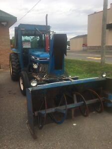 1990 Ford 3910 Tractor