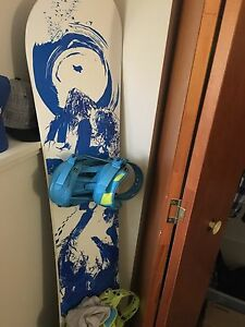 Snowboard and gear 125$ obo