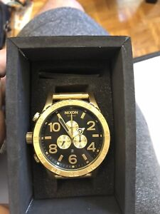 Selling brand new never worn gold Nixon watch 51-30