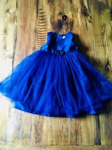 Girl 18-24 Months beautiful blue dress in great condition