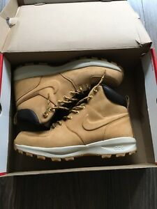 Nike Manoa ACG brand new