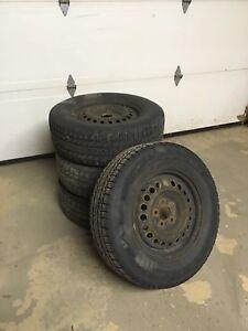 4 pneus 205 55 R16