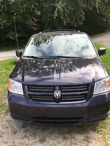 Dodge caravan 2010 SE flex fuel - reduced price