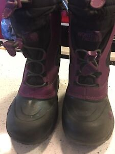 North face winter boots. Size 12 toddler