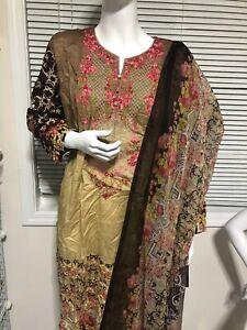 Pakistani Dresses. Lawn Mela