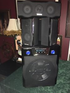 Surround sound with built in Subwoofer (no remote)