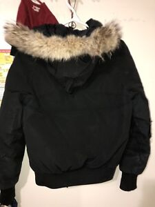 XS- Canada Goose Chilliwack for women