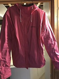 Women's Columbia wind breaker/rain coat