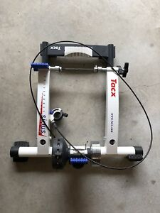 Tacx Sirius Cycleforce trainer