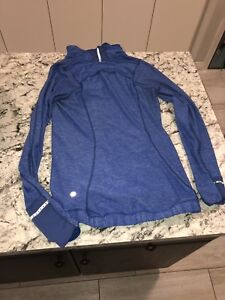 Lululemon size 2 royal blue, half zip up long sleeve