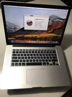 "Apple MacBook Pro 15"" Mid 2015, i7, 256GB Flash Storage."