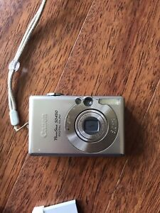 Canon point and shoot digital camera