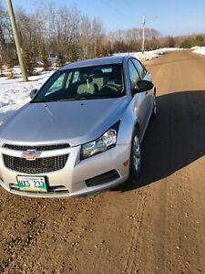 2012 Chevy Cruze low km (clean title)!