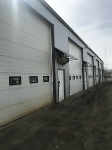 Commercial 1000 square foot shop