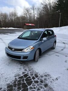 2011 Nissan Versa ONLY 22,000 KMs