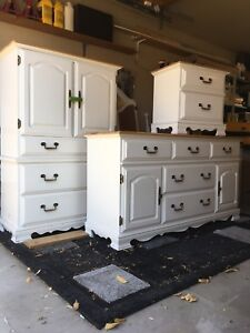 Bedroom cabinets for sale needs to be gone in a week