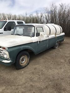 Vintage ford truck   Runs and drives