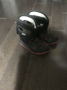 Baby BOGS toddler size 6