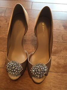 Le Chateau Peep-Toe dress shoes NWOT