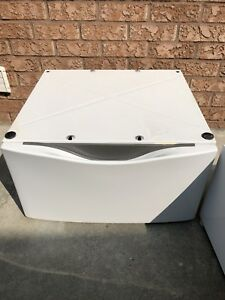 Front Load Laundry Pedestal - White