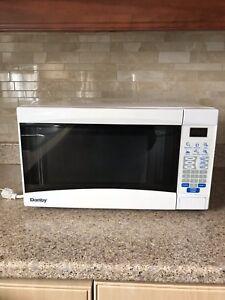 Danby Microwave / Micro-ondes Danby