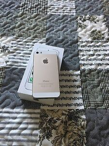 2 iPhone 5s 16g bell