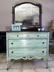 Commode 4 tiroirs antique