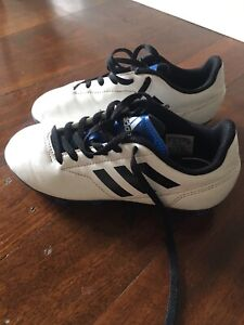 Boys Adidas Soccer Boots Football Boots Size US1 Bayswater Bayswater Area Preview