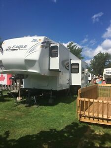 2012 Jayco Eagle Super Lite 30.5 5th Wheel Trailer Bunkhouse!