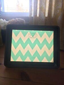 Silver iPad 1 16 gb