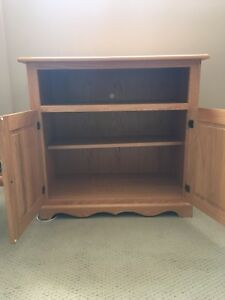 Mint condition solid oak TV stand