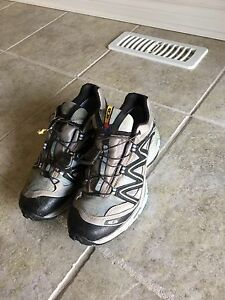 Solomon XT Wings Gortex, women's size 7.5