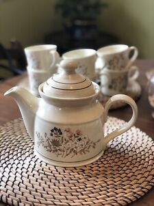 Royal Doulton - Bredon Hill Tea Set