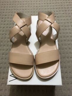 0eb13944cdeb Witchery Carrie Leather Sandal -Nude- Brand New