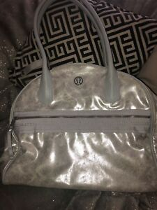 Lululemon silver grey metallic sac designer sport gym bag
