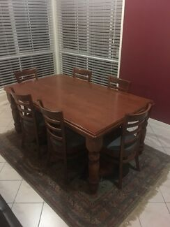 Wooden dining set (very good quality)
