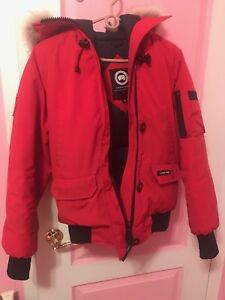 Red Canada Goose Women's Chilliwack Bomber  Size: M