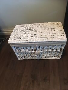 Wicker basket for toys or clothes