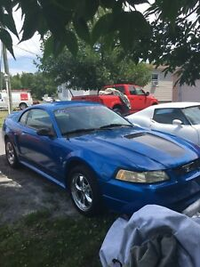 Ford mustang 2000 automatique