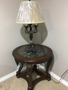 2 End tables and 2 lamps