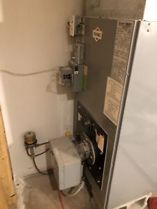 Lincoln carrier oil furnace, very good condition.