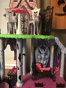 "Monster High Castle ""Freaky Fusion Catacomb"" Peterborough Peterborough Area image 3"