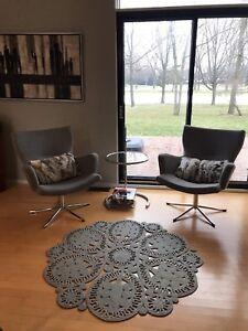 Chaises pivotantes - Maison Corbeil