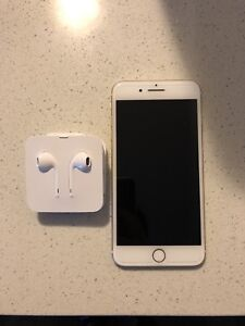iPhone 7 Plus 10/10 condition with brand new apple headphones.