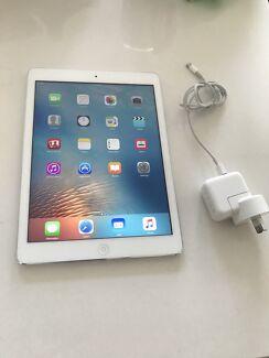 Apple iPad Air (Wifi + Cellular) + Warranty