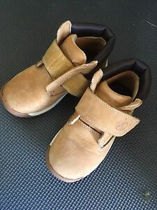 JUST LIKE NEW TIMBERLANDS