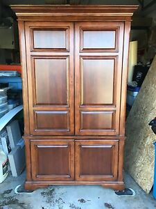 TV Stand/Armoire
